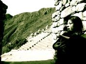Mudra Volteando la Rueda de Dharma en Machu Picchu